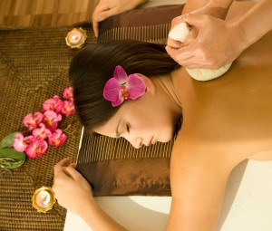 Thai massage for women in London. We bring a thai massage at your home !